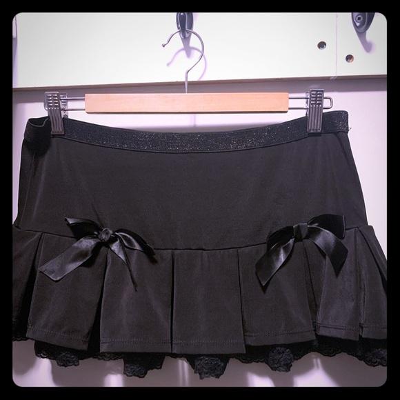 Dresses & Skirts - Mini black rave skirt